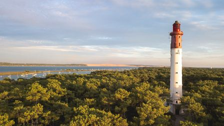 Cap Ferret Lighthouse (c) Media Raw Stock/Getty Images