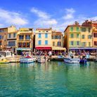 Colourful traditional houses in the port of Cassis, near Marseille (c) Xantana/Getty Images