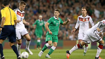 Republic of Ireland's Wes Hoolahan (centre) in action during the UEFA European Championship Qualifyi