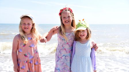 Neve Paige and Rose. Aldeburgh hot weather at the beach Picture: CHARLOTTE BOND