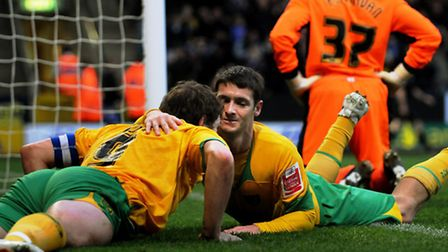 Wes Hoolahan was an 'absolute dream' to play alongside, according to Grant Holt.