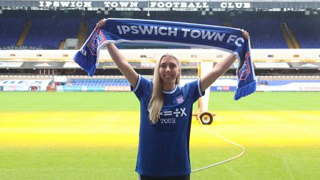 Liv Smith signs for Ipswich Town Women