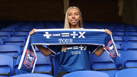 Liv Smith signs for Ipswich Town Women 3