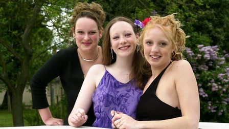 KES students strike a pose as they arrive at the prom night in a stretch limo.18/05/01 words Bet