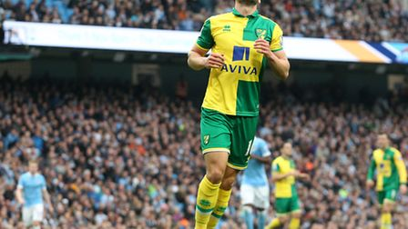 Norwich City's on-loan midfielder Matt Jarvis has been ruled out for 'several weeks' after damaging