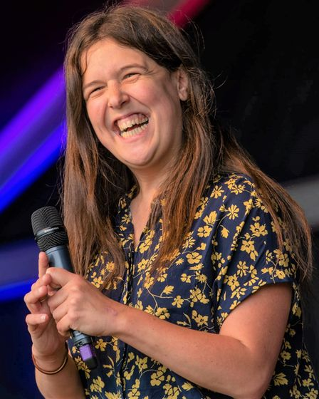 Rosie Jones smashed her main stage set atthe 2021 Cambridge Comedy Festival.