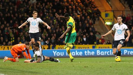 Alex Tettey misses with an attempted back heel the last time Norwich City faced Spurs. Picture: Paul