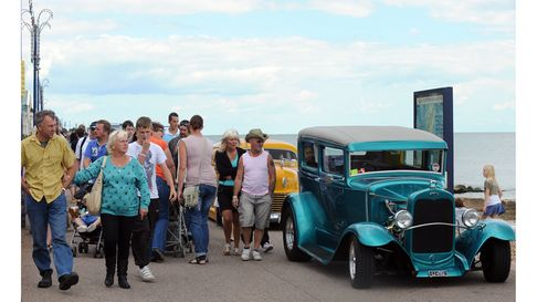 Custom cars and hot rods lining up on the prom and seafront at Felixstowe during the rally in 2010