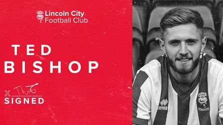 Teddy Bishop joins Lincoln City