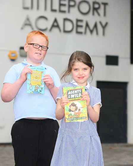 Students at Highfield Academy with their new books thanks to MP Steve Barclay's annualRead to Succeed campaign.