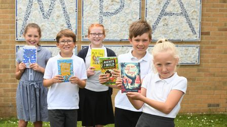 Murrow studentswith their new books thanks to MP Steve Barclay's annual Read to Succeed campaign.