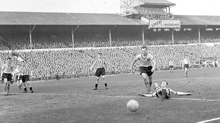 Action from Norwich City's 1-1 draw with Sheffield United in the 1959 FA Cup sixth round tie at Bram