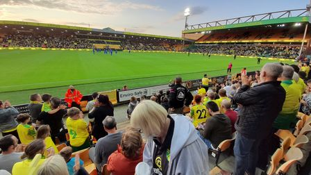 99% of fans didn't appear to wear face masks during Norwich City's friendly with Gillingham