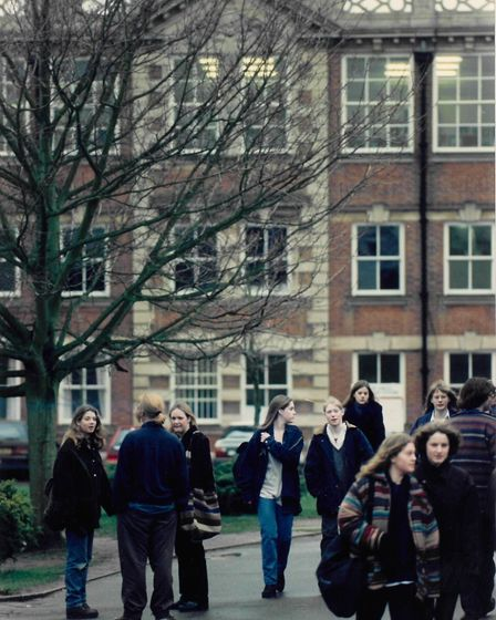 Students leaving City of Norwich School in February 1995