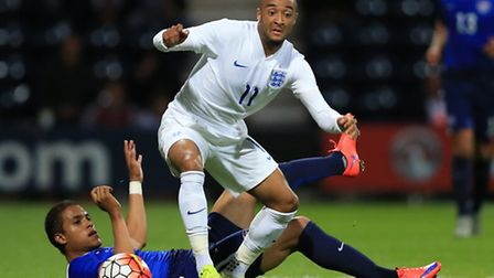 England's Nathan Redmond (front) and USA's Alonso Hernandez battle for the ball during an Under 21 I