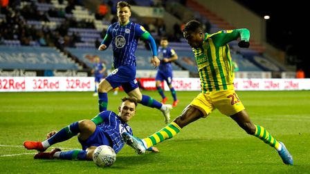 West Bromwich Albion's Kyle Edwards (right) in action during the Sky Bet Championship match at the D