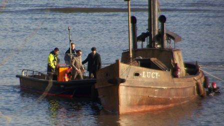 Guy Ritchie filming 'Sherlock Holmes'on the Thames