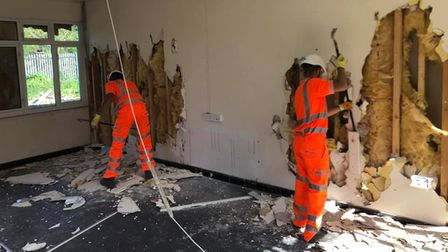 The demolition of the buildingat March Railway station took five days, including stripping itout.