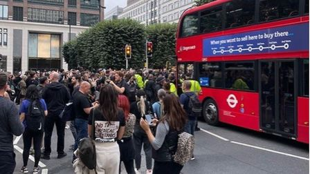 Protesters blocking buses at Canary Wharf 'anti vax' protest