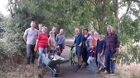 Volunteers clearing a path between Thurston and Beyton