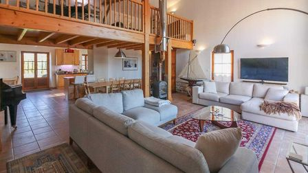 Barn conversion in Charente on the market with Charente Immobilier