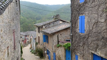 A charming street in Bruniquel (c) Nick Parford Photography