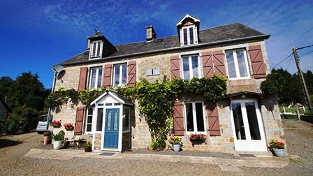 Property in Manche on the market with Agence Newton
