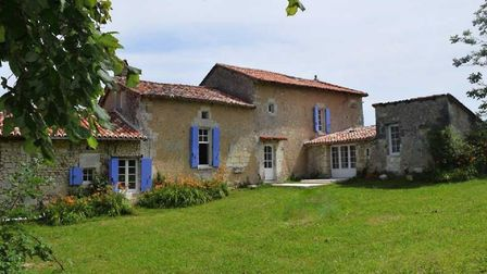 Pretty house on the edge of a Dordogne village for sale with Beaux Villages Immobilier