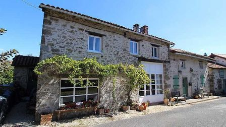 Stone house in Haute-Vienne on the market with Beaux Villages