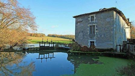 Former mill in Vienne on the market with Actous