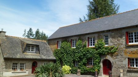 Gite complex with four properties and landscaped gardens