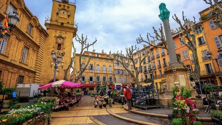 Flower market in the Old Town of Aix-en-Provence (c) Xantana / Getty Images