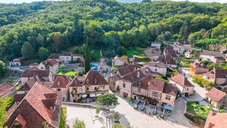 Charming medieval villages like St-Cirq-Lapopie in Lot are popular with British buyers (©Getty Image