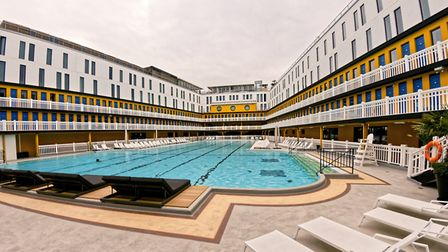 Piscine Molitor first opened in 1929 © BikerNormand CC BY-SA 2.0 wikimedia commons