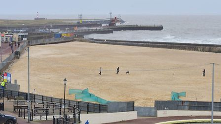 People have been advised to stay away from the shoreline between Gorleston and Hopton beach due to