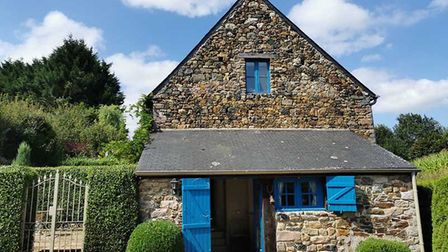 ¬194,400, Côtes-d'Armor: Breton two-bed cottage for sale close to beaches (Leggett Immobilier)