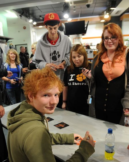 NEWSPICTURE ANDY ABBOTT 11.9.11Ed appeal: Fans in their hundreds queue outside HMV in Ipswic