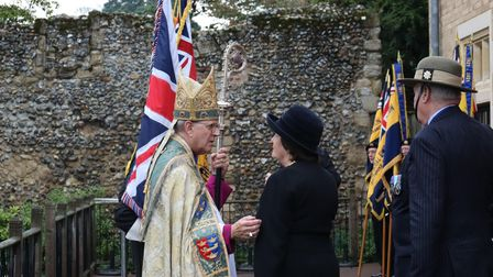 The Right Rev Martin Seeley, Bishop of St Edmundsbury and Ipswich,speaking with Clare, Countess of Euston