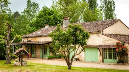 371,000 euros, Dordogne: Four-bed house, three-bed gîte, heated pool and views over surrounding coun
