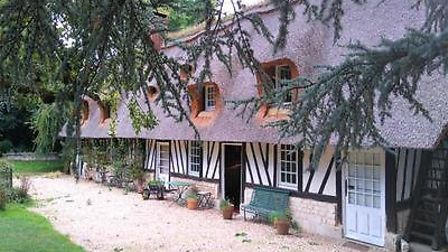 Chaumiere for sale in Eure with Leggett France