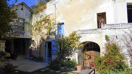 Troglodyte house in the Loire Valley for sale with Leggett France