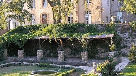 Nine-bedroom 'bastide' with 250 acres of vines, olive groves, meadows, forests and riverbanks, 15m e