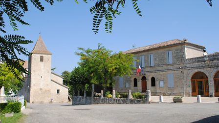 The mairie and château in Gramont