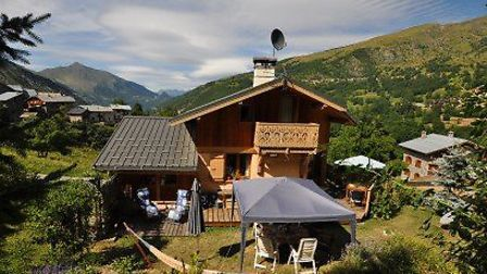 As well as a terrace and garden, this chalet lies in the Three Valleys, the largest ski area in the