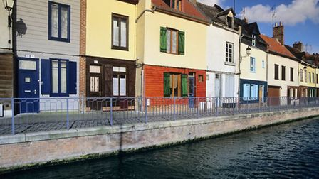 The Canal de la Somme also passes through the cathedral town of Amiens