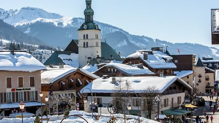 The pretty snow-covered rooftops of Megève © Fotolia