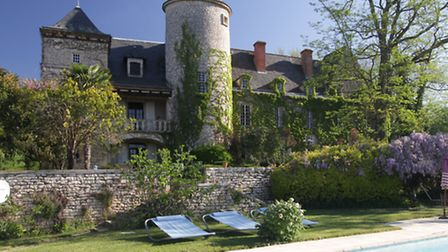 This magnificent example in Dordogne is set up for holiday rentals, weddings and conferences 1,375,