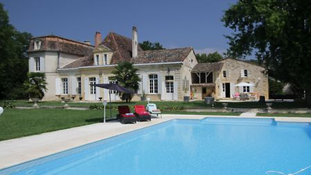 This immaculate chartreuse has been reduced from 1,395,000 euros to 970,000 euros, a stone's throw f