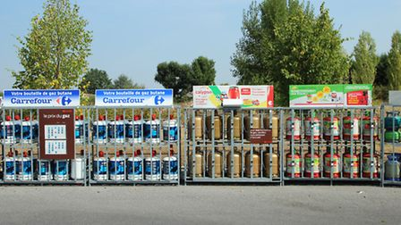 Gas bottles in a French supermarket © Lionel Allorge