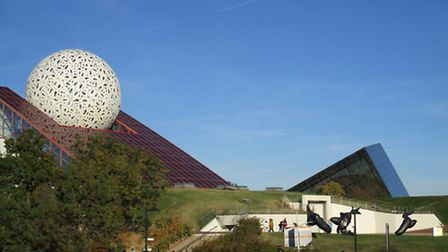 Space-related attractions at the Futuroscope theme park